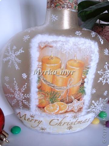 """А эта бутылочка не успела показаться вам до Нового Года!  Когда снежинки высохли, заполнила бутылку вкусными """"Скиталс"""" и """"M&M"""". Смотрелось как огоньки на новогодней елочке. фото 4"""