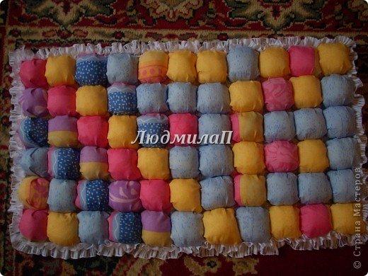 Сшила для внучки одеялко в технике ,,Пуфики,, Размер 132см Х 95 см http://quiltstudio.ru/?p=438#more-438 там всё пошагово описывается.Успеха!   фото 4