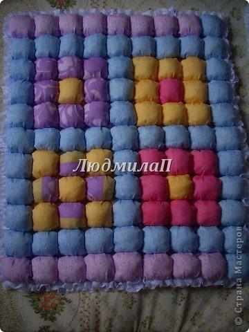 Сшила для внучки одеялко в технике ,,Пуфики,, Размер 132см Х 95 см http://quiltstudio.ru/?p=438#more-438 там всё пошагово описывается.Успеха!   фото 5