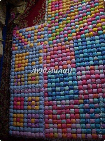 Сшила для внучки одеялко в технике ,,Пуфики,, Размер 132см Х 95 см http://quiltstudio.ru/?p=438#more-438 там всё пошагово описывается.Успеха!   фото 7