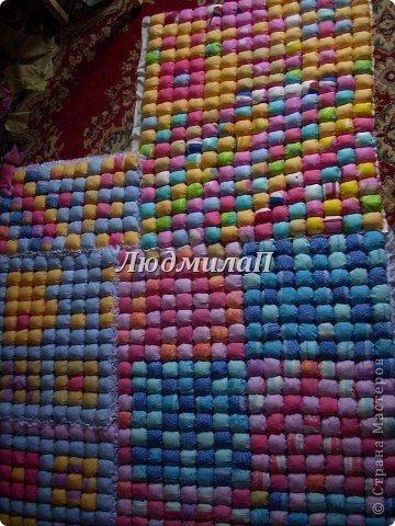 Сшила для внучки одеялко в технике ,,Пуфики,, Размер 132см Х 95 см http://quiltstudio.ru/?p=438#more-438 там всё пошагово описывается.Успеха!   фото 8