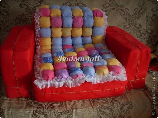 Как-то увидела образцы оформления детской-и там были кресла маленькие...Решила - обязательно сошью своей внучке кресло и нарядное и удобное..Ура!!!Сшила!!! фото 5