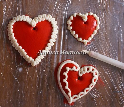 Всем мастерицам доброго времени суток! Предлагаю сделать простенькие валентинки друзьям и родным на подарки.  фото 4