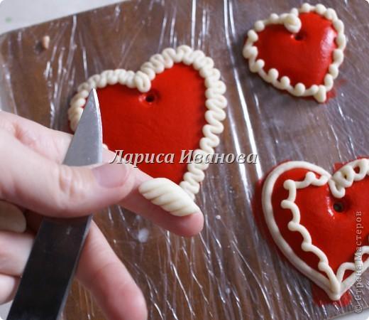 Всем мастерицам доброго времени суток! Предлагаю сделать простенькие валентинки друзьям и родным на подарки.  фото 5