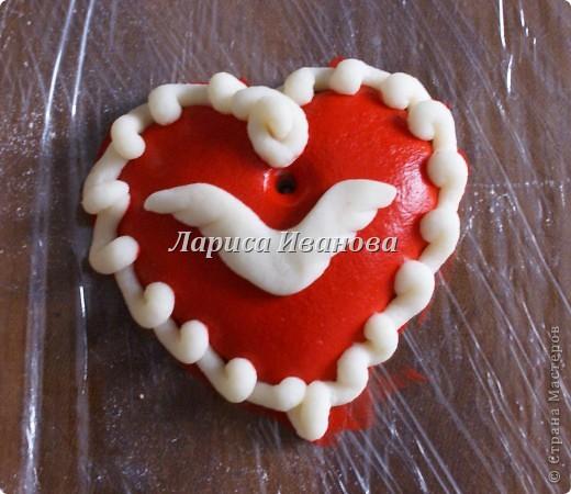 Всем мастерицам доброго времени суток! Предлагаю сделать простенькие валентинки друзьям и родным на подарки.  фото 9