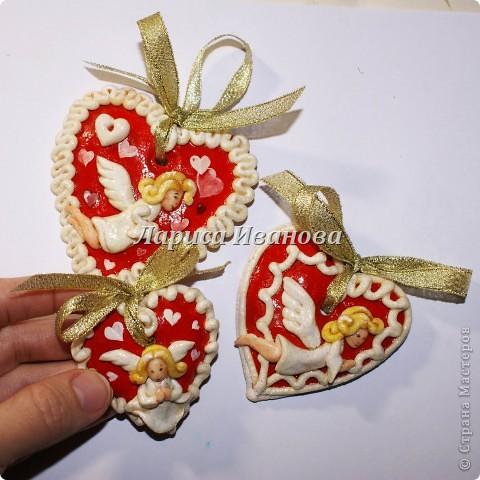 Всем мастерицам доброго времени суток! Предлагаю сделать простенькие валентинки друзьям и родным на подарки.  фото 1