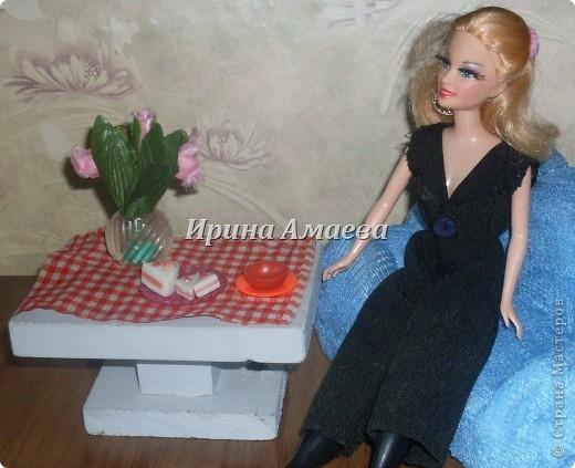 Всем привет! Вот такая самодельная мебель у кукол моих дочек))). фото 9