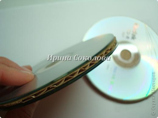 Подставки под чашки из CD- дисков фото 4