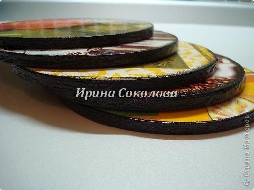 Подставки под чашки из CD- дисков фото 13