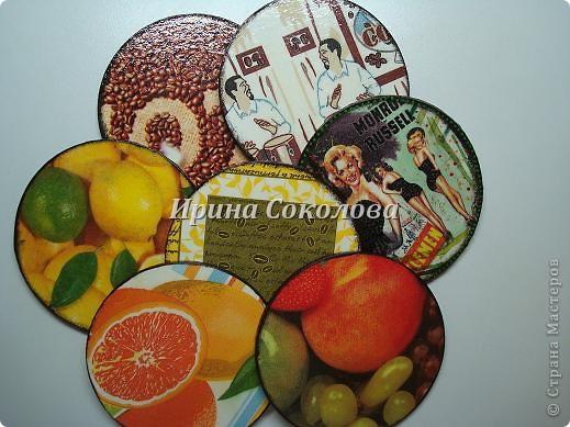 Подставки под чашки из CD- дисков фото 15