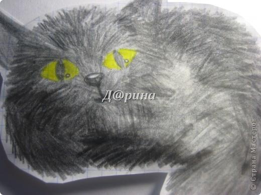Сегодня, на первой перемене (а у нас в школе она 20 мин.) мне стало очень скучно, и я решила нарисовать что-нибудь. смотря картинки на телефоне, я обнаружила красивую картинку (у меня она под №4). И я решила нарисовать котёнка. Вот результат. Не судите строго, я только учусь рисовать. фото 3