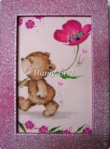 Был забавный кусочек обоев..... Приклеила его на картон....Выкрасила рамку в цвет..... + прорисовка и декоративные бабочки для ногтевого дизайна....  фото 5