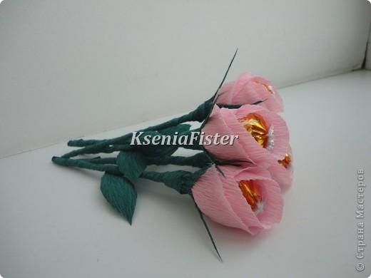 цветочки выполнены из конфет фото 1