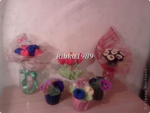 Это мой первый опыт в букетах из конфет. И все букетики на 8 марта были подарены родным и коллегам. фото 1