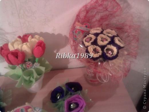 Это мой первый опыт в букетах из конфет. И все букетики на 8 марта были подарены родным и коллегам. фото 14