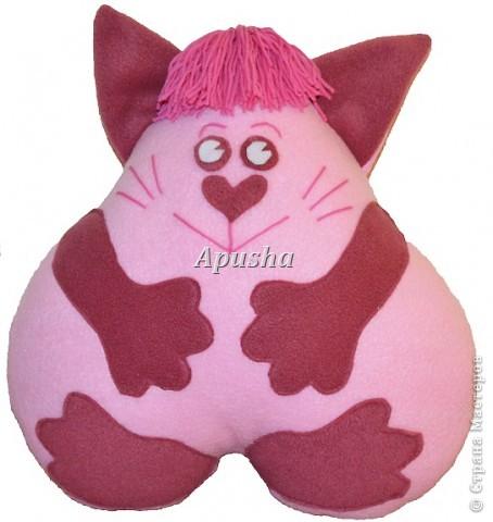 """Подушка-игрушка """"Котёнок"""". О том, как её сделать, я подробно изложила в МК."""