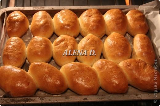 Девочки...замес у меня был в хлебопечки///тесто вышло хорошее! фото 2