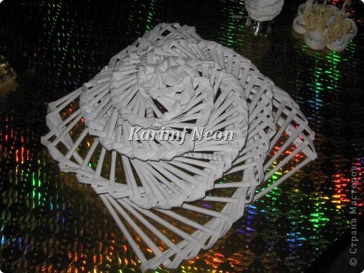 Идея была такая - поднять тарелку над столом! То есть, СДЕЛАТЬ ВТОРОЙ ЭТАЖ НА СТОЛЕ :)))  фото 5