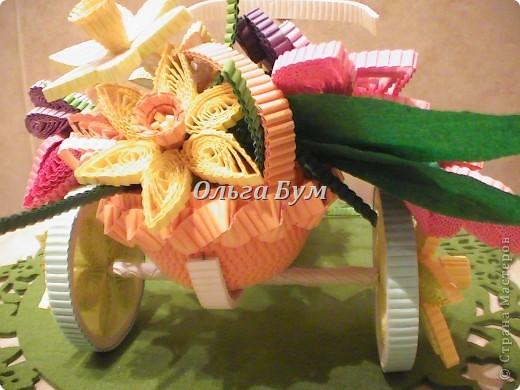 Велосипед из гофрокартона с корзинкой цветов. Работа с курсов, но в другом цвете и ... колёса у моего КРУТЯТСЯ! Хотелось сделать его по-весеннему нарядным и мобильным, чтоб и на Пасху сгодился и потом для настроения. фото 10