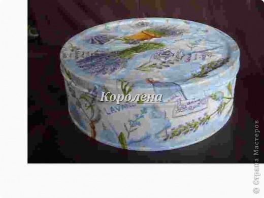 Дебют.Металлическая коробка из под немецкого печенья задекупажена светленькой салфеточкой. фото 2