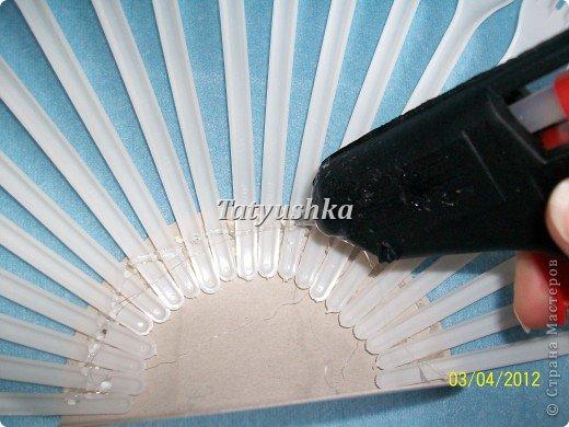 Попробуем сделать простой веер из пластмассовых      одноразовых вилок. фото 11