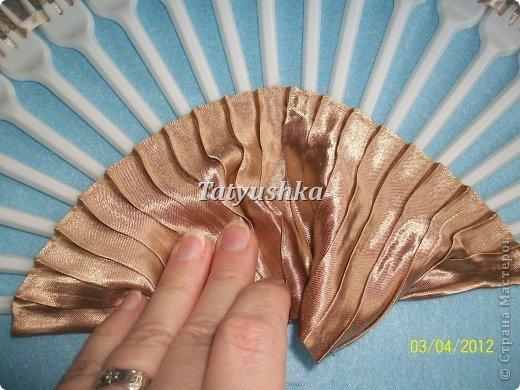 Попробуем сделать простой веер из пластмассовых одноразовых вилок. фото 27