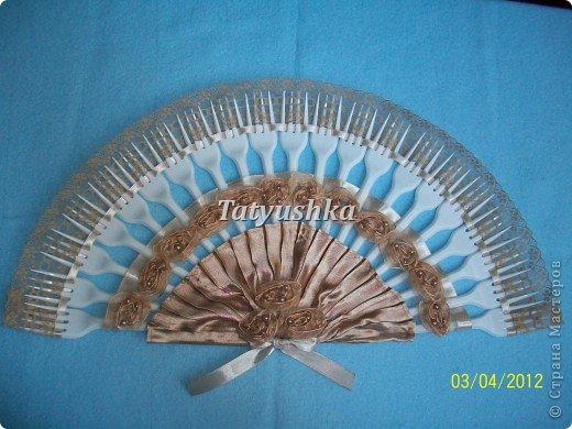 Попробуем сделать простой веер из пластмассовых одноразовых вилок. фото 31