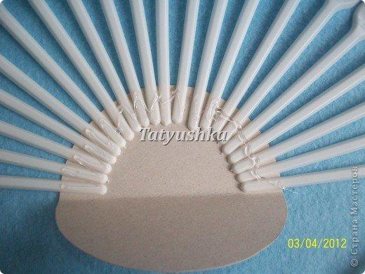 Попробуем сделать простой веер из пластмассовых одноразовых вилок. фото 8