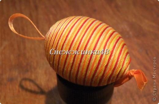 Увидела работу Татьяны Имполитовой, очень понравилось яйцо в нитках. Решила попробовать что-то похожее, но на основе мулине, принимайте)) фото 5