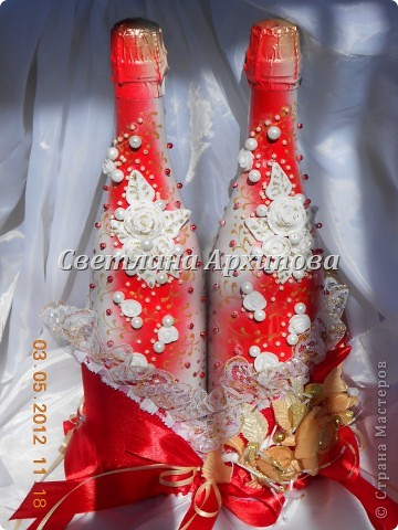 Вот такие получились бутылочки для свадьбы 5.05.2012.Корзиночка для бутылочек приобретена невестой. фото 1