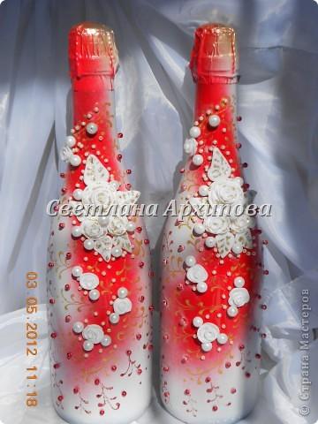 Вот такие получились бутылочки для свадьбы 5.05.2012.Корзиночка для бутылочек приобретена невестой. фото 2