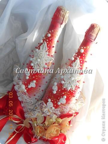 Вот такие получились бутылочки для свадьбы 5.05.2012.Корзиночка для бутылочек приобретена невестой. фото 5
