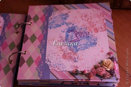 Вот такой альбомчик уехал от меня в Омск, одна очень милая девушка заказала его на годовщину отношений с молодым человеком))))  фото 6