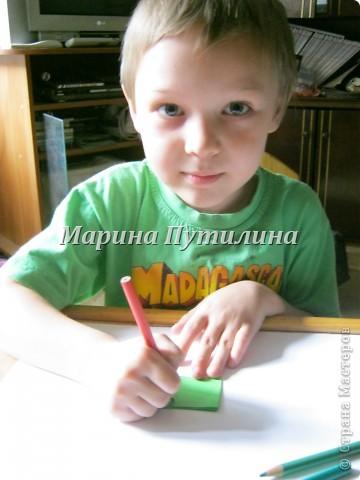 Мой сынок захотел карандашницу похожую на клубнику. Мы стали думать и придумали. фото 3