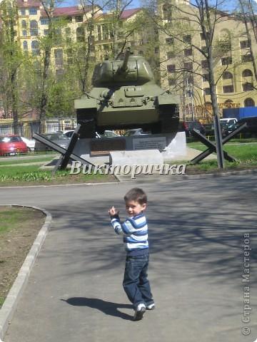 """Давно бродили мысли по созданию ещё одной игрушки для мальчишек ТАНКА. И тут получаю приглашение от Леночки Крошко на """"дегустацию"""" подобной работы. Вдохновившись новыми впечатлениями и собрав всю имеющуюся у меня информацию, приступила к проектированию и чертежам! Итог - Произвольное """"прочтение""""  танка Т-34. фото 2"""