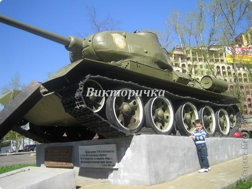 """Давно бродили мысли по созданию ещё одной игрушки для мальчишек ТАНКА. И тут получаю приглашение от Леночки Крошко на """"дегустацию"""" подобной работы. Вдохновившись новыми впечатлениями и собрав всю имеющуюся у меня информацию, приступила к проектированию и чертежам! Итог - Произвольное """"прочтение""""  танка Т-34. фото 3"""