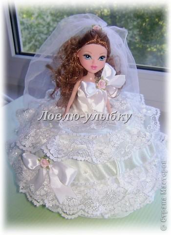Вот такая невеста - она же казна для денег получилась у меня из двух небольших тазиков))))идею нашла тут http://stranamasterov.ru/node/128514, огромное спасибо автору...масштаб правда увеличила))))под деньги как ни как)))) фото 4