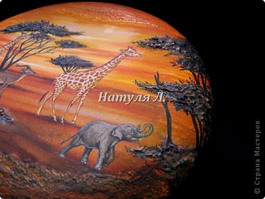 """Как и в прошлой """"Африке"""" много дорисовки и объем крон деревьев и земли - шпатлевка. Диаметр 22см фото 3"""