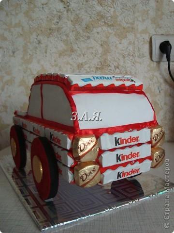 Машина из конфет. фото 3