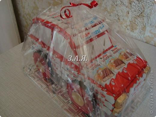 Машина из конфет. фото 1