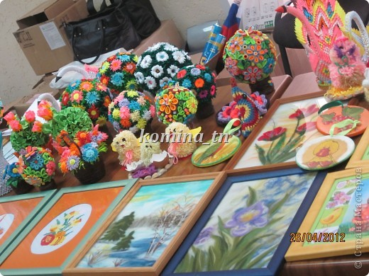 Идет бурная подготовка и отбор работ к выставке художественного творчества, которая проходит среди детских домов интернатов для умственно осталых детей. фото 2