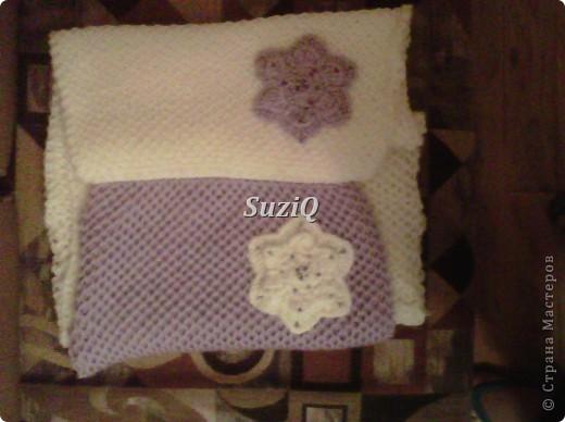 Подарочек Caron Simply Soft ушло 2 мотка, 170g/288m, спицы #5, бисер 3 мм,  размер шарфика 170 см х 30 см, концы соедины. фото 4