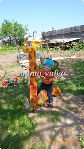 Вот такой жираф поселился в нашем саду. И глаз радует, и прокатить может)))  И летом самое ТО - прохладная тень от старых яблонь.... фото 4
