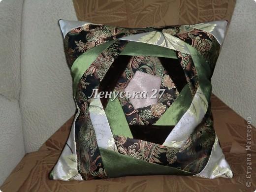 ВЕСНА... Слоны влюбляются. Продолжаю тему подушек. Остальные работы буду добавлять в этот же блог. Эта подушка для маленькой племяшки. Идея взята здесь http://my-handmade.livejournal.com/45888.html#cutid1 .  фото 2