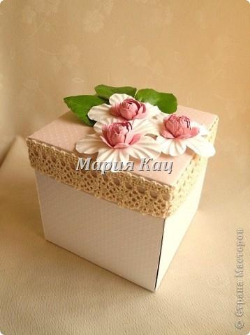 """Нуууууу... эпидемия так эпидемия! Заболевание - """"Magic Box""""...   И снова есть повод! (а когда его не бывает?!) - годовщина свадьбы! на этот раз у моих родителей. 32 года...  и вот родилась коробочка. ей довольна меньше чем предыдущей - http://stranamasterov.ru/node/368094 ,  но в целом тоже нравится :) фото 1"""