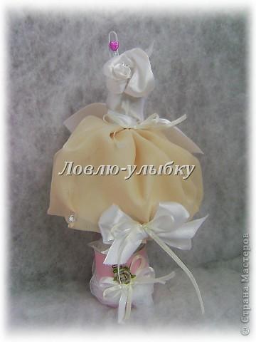 """Вот и я замахнулась на манекены для бижутерии... Это моя """"подружка невесты""""... туфельки из пластики лепила фото 3"""