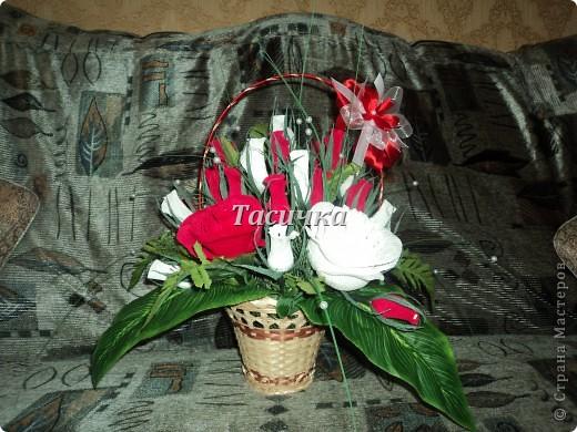 Здравствуйте, уважаемые мастера!   Выставляю на Ваш суд свою первую корзинку сделанную на годовщину свадьбы родителей мужа! фото 2