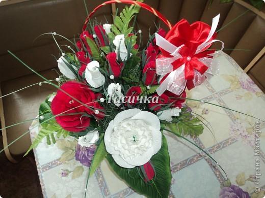 Здравствуйте, уважаемые мастера!   Выставляю на Ваш суд свою первую корзинку сделанную на годовщину свадьбы родителей мужа! фото 3