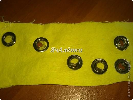 Вот такие баночки у меня народились!:) Зелененькая и розовенькая идут в подарок,для любимых племяшек.Желтенькая остается моим мальчикам,как хранительница мозаики,надеюсь и у неё вскоре появится пара!Тут есть МК http://www.liveinternet.ru/users/3913374/post220141103/  правда я немножко отступила,и вместо пластиковых бутылок использовала банки из под сахарной ваты!Итак,смотрим ниже:)) фото 7