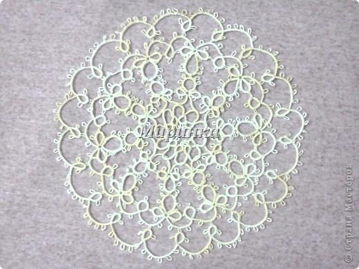 Это небольшая, но очень красивая салфеточка-звёздочка, плетётся довольно быстро. фото 4